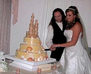 Scarlet Calliope Cake Cutting