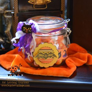 ScarletCalliope Halloween Treat Jar 3