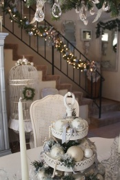 exquisite-totally-white-vintage-christmas-ideas-28