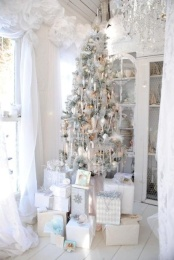 exquisite-totally-white-vintage-christmas-ideas-34