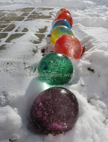 Queen Vanna Creations ice balloons